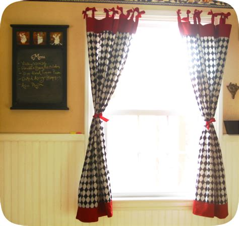 retro kitchen windows with bows sewing projects
