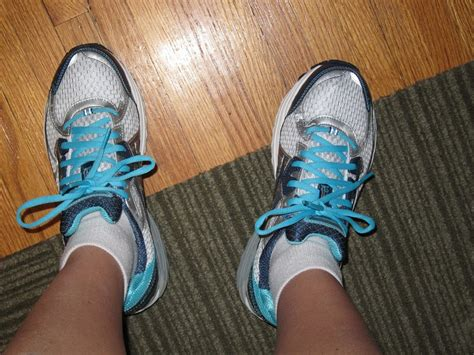 replace running shoes fitting remarks when to replace running shoes the right