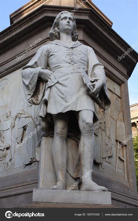 Leonardo Da Vinci Pflege 3888 by Statue Of Leonardo Davinci In Piazza Della Scala Milan