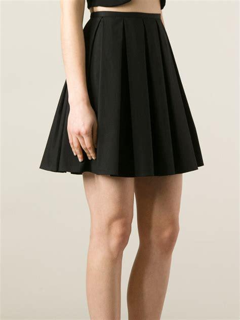 pleated black skirt redskirtz