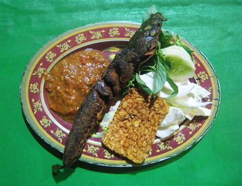Tenda Pecel Lele rekomendasi food kota palembang kaskus
