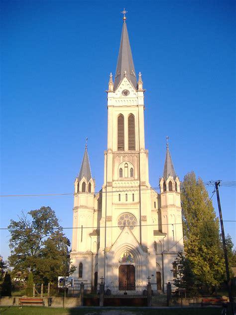 Exceptional Catholic Church #1: Roman_catholic_church_Makó.JPG