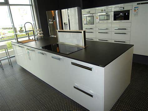 küchenmacher braunschweig hausmarke musterk 252 che moderne k 252 che mit w 228 rmeschublade und