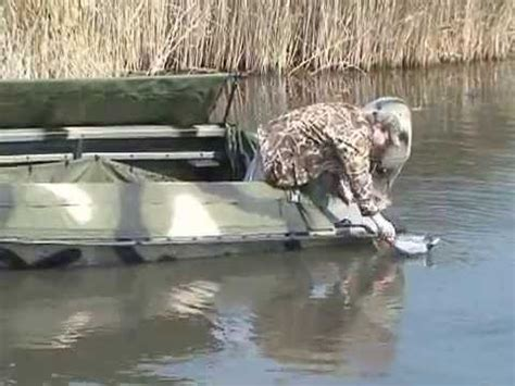 duck hunting boat ride 1442 crawdad duck boat doovi