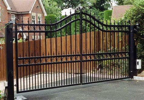 iron gates bespoke iron gates   midlands iron design