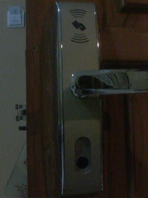 Kunci Pintu Mobil Timor servis kunci pintu 081318835520 ahli kunci jogja 081318835520 ahli kunci panggilan ahli
