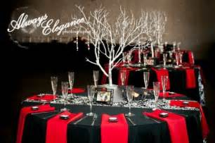 white and black wedding table decorations