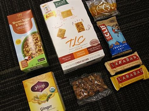 Snacks For Office Desk by Work Chic Best Healthy Snacks To Keep At The Office The