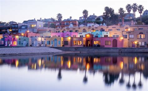capitola village shopping dining activities find capitola beach capitola ca california beaches