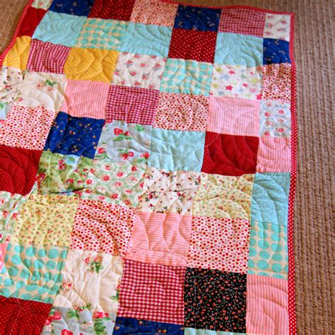 How To Make A Patchwork Baby Blanket - spiral quilted baby blanket button diaries