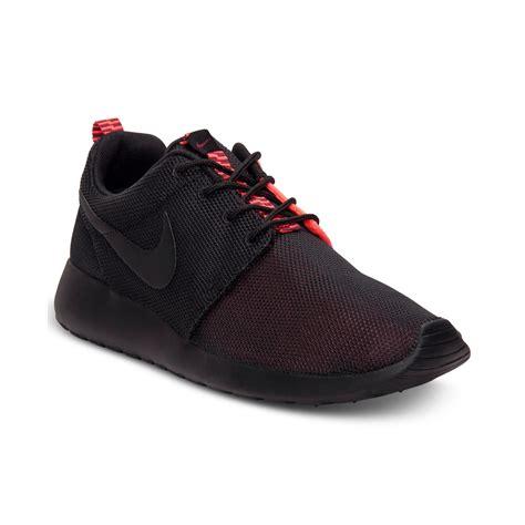 Sale Nike Roshe Run New Casual Pria Sneakers Diskon Terbaru nike roshe run casual sneakers in black for black