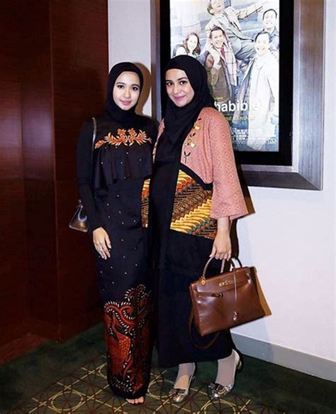 desain dress sasirangan 25 padu padan til stylish dengan kain indonesia