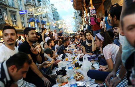 muslim fasting muslims around the world the start of ramadan