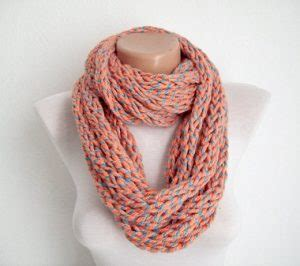 how to finger knit a thick scarf finger knit scarf designs and patterns world scarf