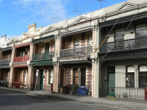 houses in melbourne file terrace houses in fishley south melbourne jpg