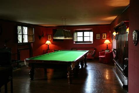pool room decor the original man cave the secret art of men s dressing