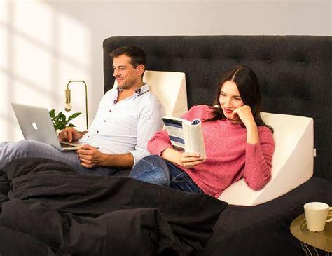 cuscino ad cuscino a cuneo cuscino ad angolo per letto