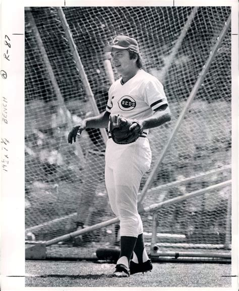 johnny bench cincinnati reds lot detail 1966 82 johnny bench cincinnati reds quot the