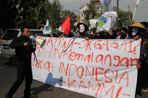 Buku Seru Janji Janji Jokowi Jk utang indonesia capai 4 200 triliun kammi jokowi ingkar