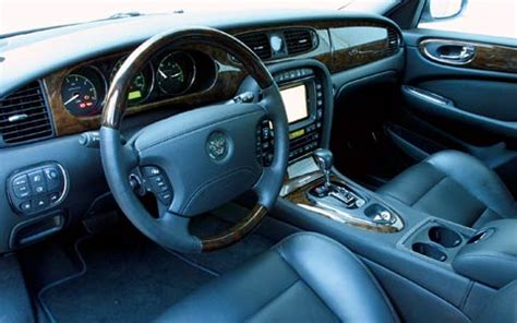 jaguar xjr review and rating motor trend 2004 jaguar xjr review specs road test motor trend