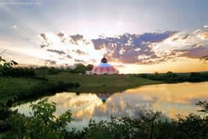 Lotus Temple Virginia Rajinikanth Guru Is Swami Satchidananda Saraswati Of Lotus Usa
