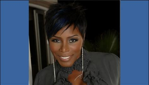 Chandelier Comedian Bet S Comic View 2014 Enlists Sommore As It S New Host The Humor Mill