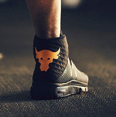 Koleksi Dwayne Johnson The Rock til tangguh di a la the rock dengan sneaker ini