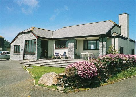 st illex port gaverne cottage