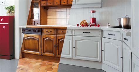 repeindre des 駘駑ents de cuisine modele de cuisine en bois repeindre mzaol com
