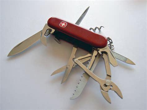 Wenger Kitchen Knives licensing edit