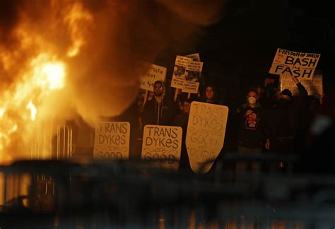 paint nite berkeley protests violence prompt uc berkeley to cancel milo