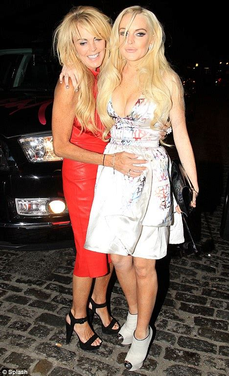 Dina Lohan Child Exploiter And Other Stuff by Dina Lohan Updates Us On Lindsay S Shoot Mommyish