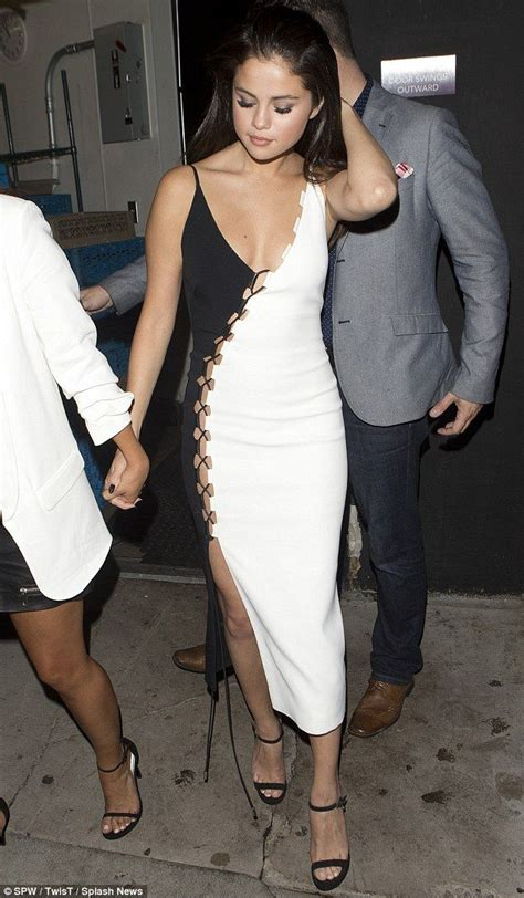 Jehfashion Dress Selena selena gomez goes braless and ditches knickers for dinner date
