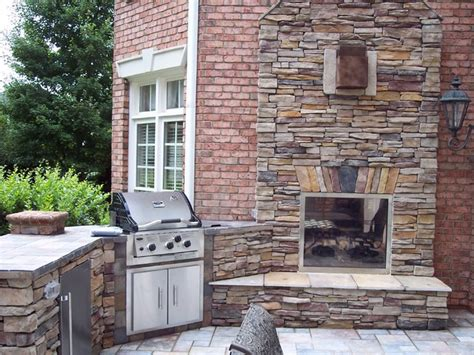 Indoor Outdoor Fireplaces by Indoor Outdoor Fireplace Sided Home Decorating Ideas