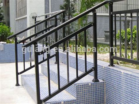 Aluminum Railings For Stairs Best 25 Outdoor Stair Railing Ideas On