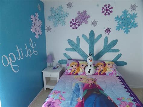 Frozen Bedroom Decor by 25 Best Ideas About Frozen Room Decor On