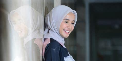 laudya cynthia bella kini sudah mantap berhijab showbiz cynthia bella segera luncurkan hijab laudya dream co id