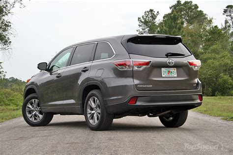 2016 toyota highlander driven picture 675493 car