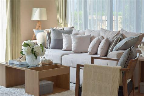 Sofa With Throw Pillows by 35 Sofa Throw Pillow Exles Sofa D 233 Cor Guide Home