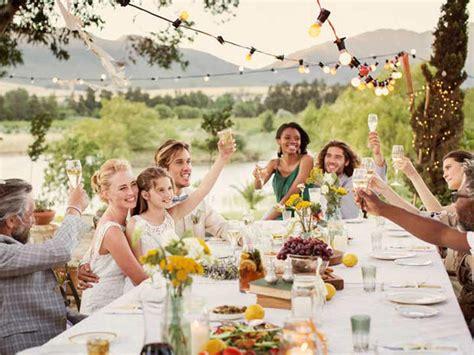 tavola per cena romantica come apparecchiare una tavola estiva chic e ricercata