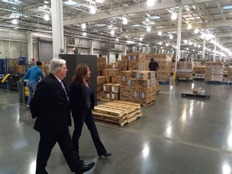 governor elect larry tours costco photos