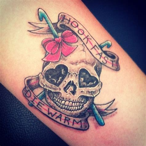 warm art tattoo quot hook fast die warm quot 20 tattoos inspired by