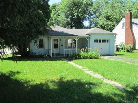 houses for sale in brownsburg in 135 greenacre dr brownsburg indiana 46112 foreclosed home information foreclosure