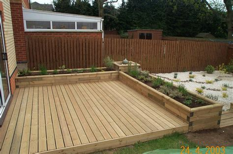 100 ground level small rectangular deck 25