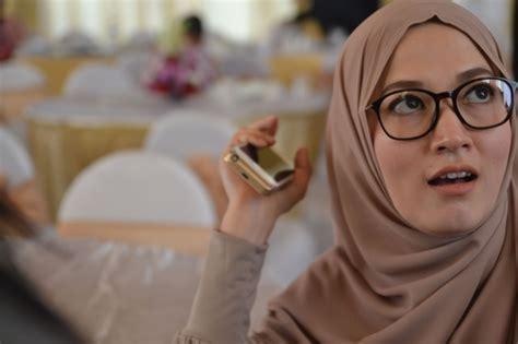 Diskon Jilbab Syari Cantik 005 lyra virna tambah cantik berhijab syar i foto 5