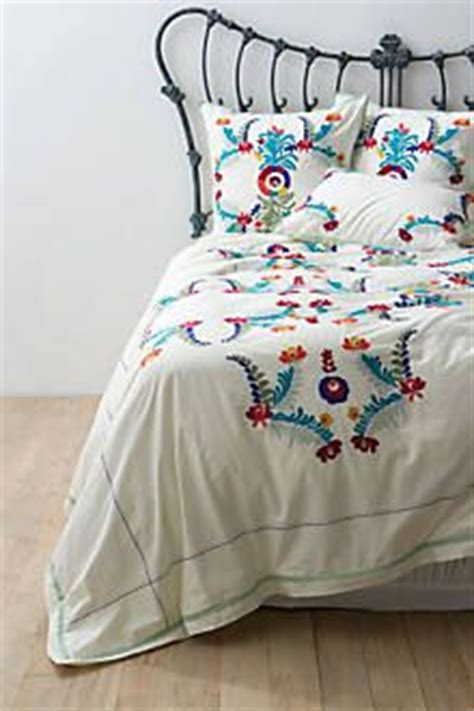 mexican embroidered bedding best 25 mexican bedroom ideas on pinterest mexican