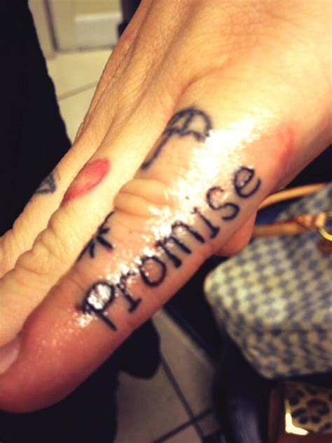 tattoo on pinky finger pain jean startup on twitter quot pinky promise tattoos