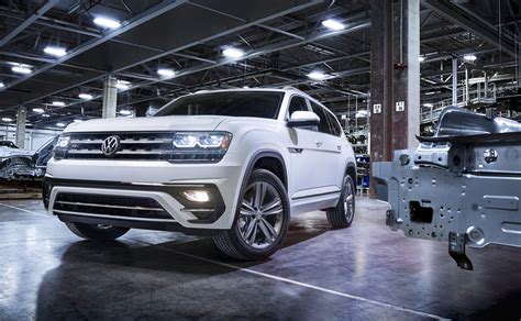 volkswagen atlas 2018 2018 volkswagen atlas gets sporty r line treatment