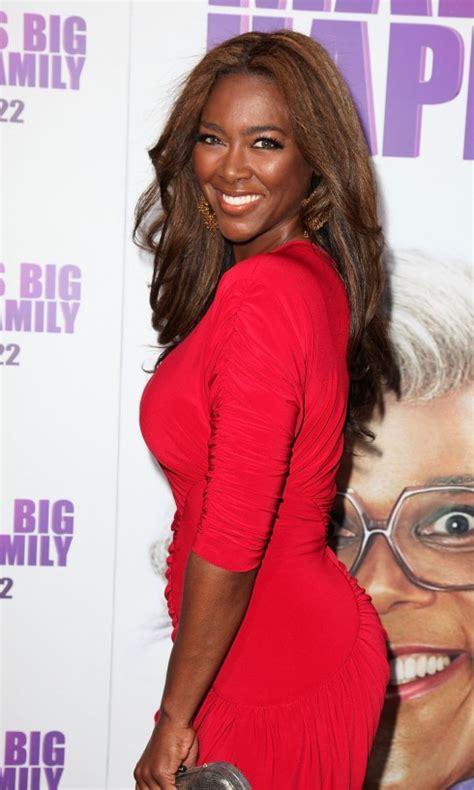 kenya moore says she failed up claims kenya moore hair does kenya moore have butt implants fake butt phaedra s