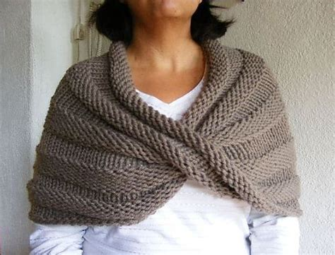free knitting pattern library capelet twisted capelet knitting pinterest